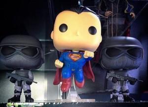 ขายตุ๊กตาโมเดล superman with superman soldier funko pop ราคา